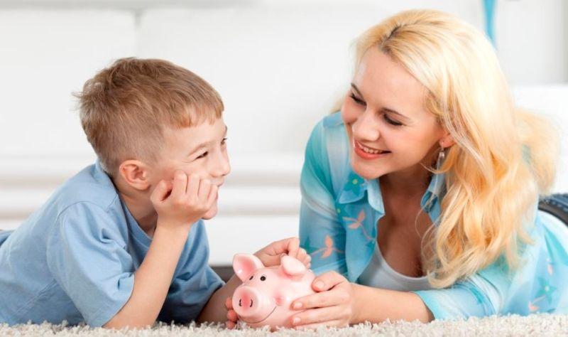 Як давати гроші дитині?